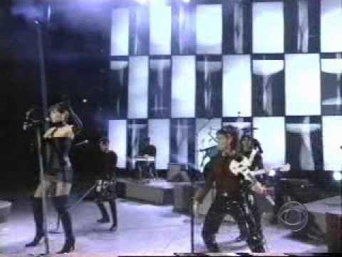 Shania Twain - Man I Feel Like a Woman! (Live at the Grammy