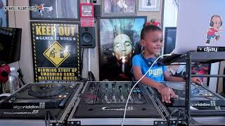 Cover images DJ Arch Jnr Sunday Live House Mix Using djay Pro