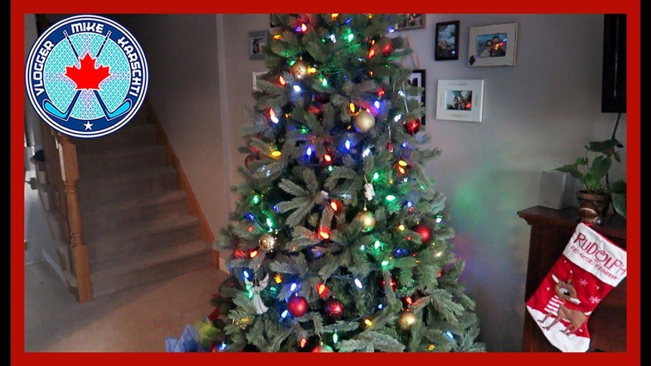 fav xmas movies half decorated christmas tree vlogmas 2017 ep 4