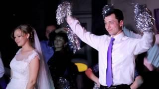 Необычный свадебный танец.