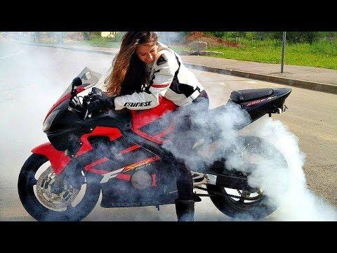 😄 Девушки на Мотоциклах ! Красивейший Бернаут 👍 !