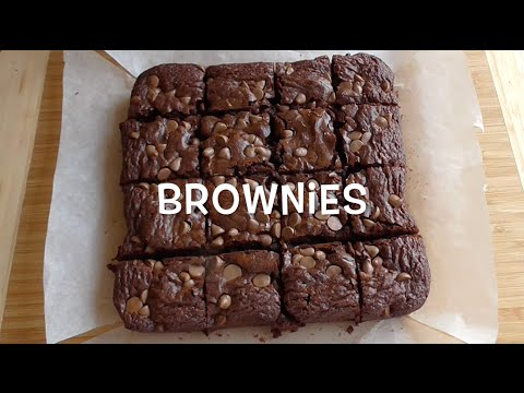 to make brownies You don't need a gourmet recipe for the world's best brownies just make some modifications to a basic box of betty crocker mix to go from good to heavenly.