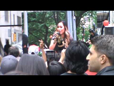 Philippine Independence Day Parade NYC 06-04-2017: Jessica Sanchez - Tonight (featuring Ne-Yo)