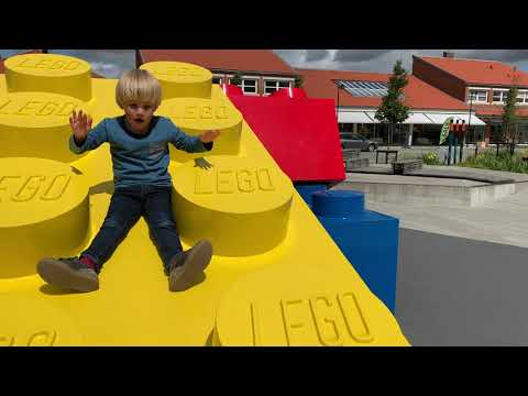 Walk around the #LEGOHouse. Discover the Playgrounds! FABISDESIGN kids in Denmark