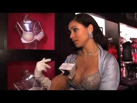 Adriana Lima Responds To Gisele's Breastfeeding Beliefs
