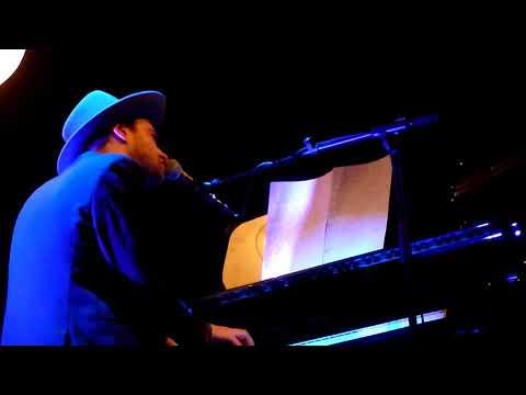 Finn Andrews - Begin Again (The Veils) @ Tivolivredenburg (9/12)