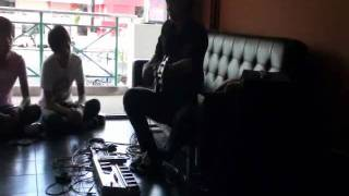 Monkey Businessman ( tribute Michael Manring ) in my bass workshop, Percussive technique