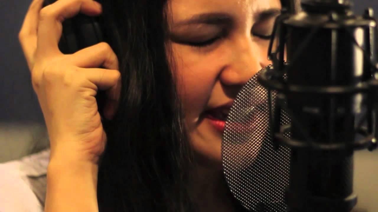 Julie Ann Hot chris brown - look at me now (cover)julie anne san jose