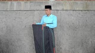 Tutorial Bagaimana Cara Menggunakan Sarung - Pondok Pesantren Baitul Hidayah Bandung