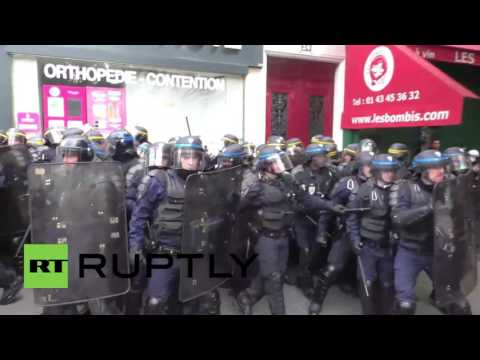 France: Riot police and protesters clash at Paris labour reform demo