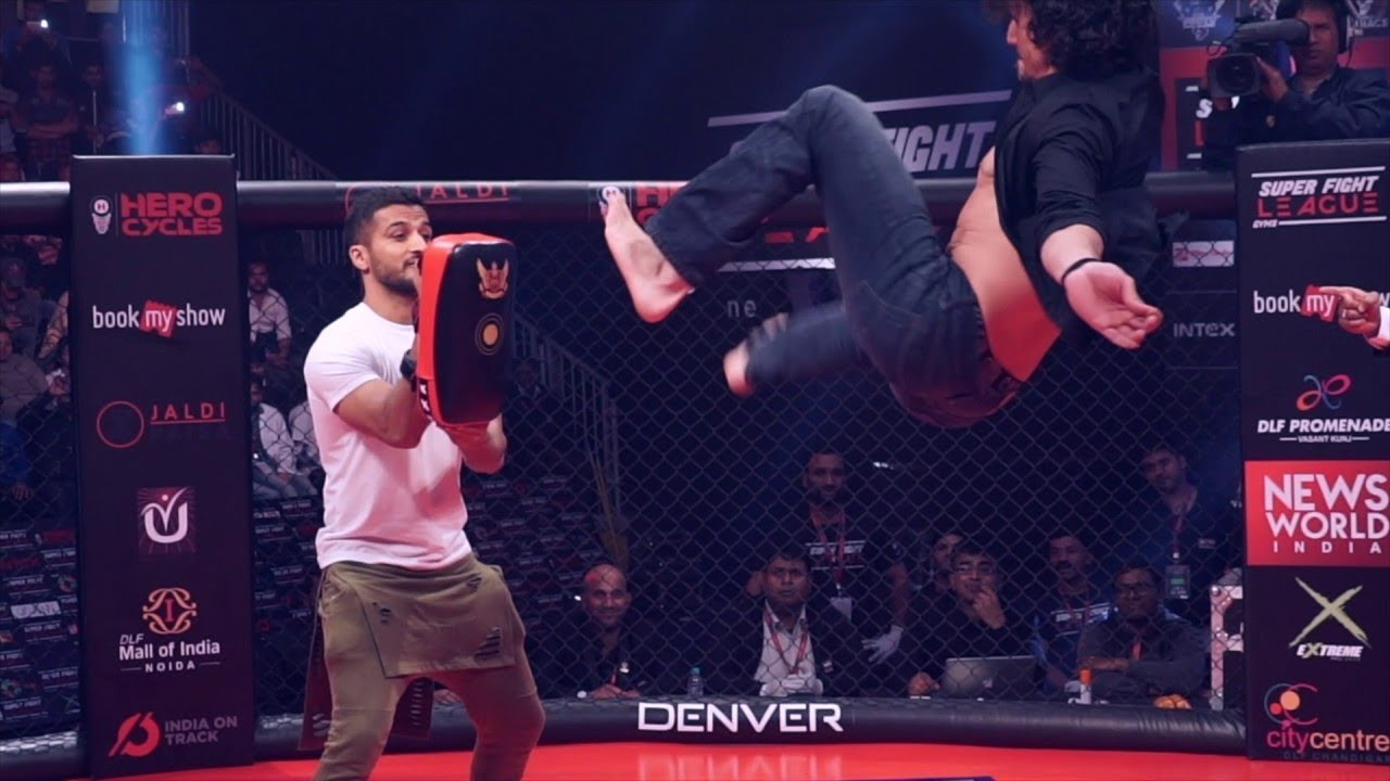 Download TIGER SHROFF  REAL FIGHTING And Kick IN MMA