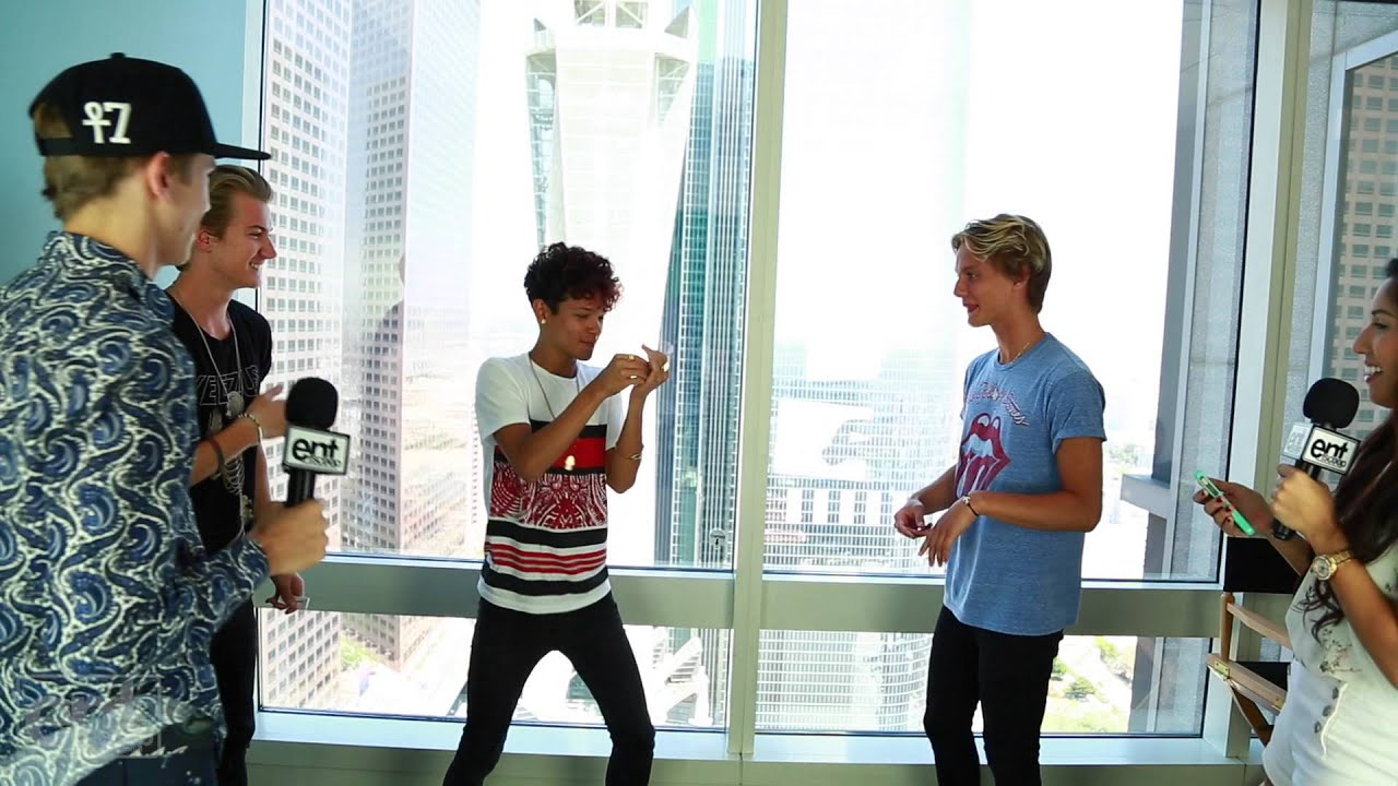 Watch additionally Watch besides Felix Sandman The Fooo 14410036 additionally The Fooo Aringlder also 29228 The Fooo Conspiracy Exclusive Interview And Music Video. on oscar from the fooo