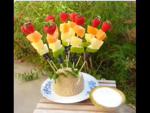 How to make Rainbow Fruit Skewers Kabobs with a Vanilla Yogurt Dip