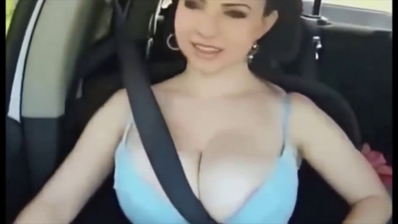 tits bouncing in car