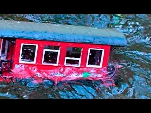 Model Railroad Toy Train Track Plans -G-Scale Model Sinks in Train Wreck