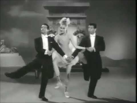 La genial Vitola y los cómicos Sergio Corona y Alfonso Arau se avientan unos buenos pasos de Ballet.