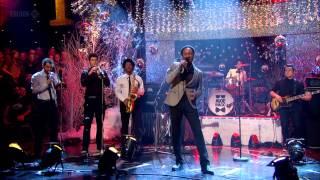 Aloe Blacc - Loving You Is Killing Me (Jools Annual Hootenanny 2012) HD 720p