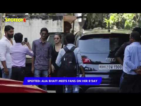 Thumbnail: Alia Bhatt snapped post gym obliging some fans on her birthday with a selfie | SpotboyE