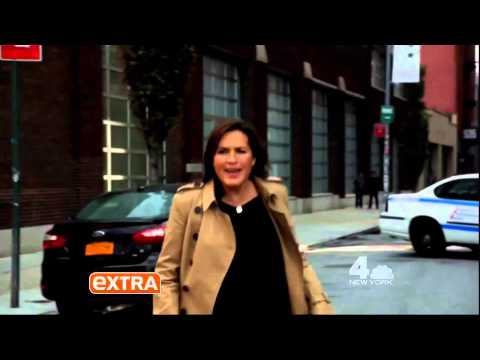NBC Promotes Law & Order SVU - Chicago PD Crossover On Extra TV