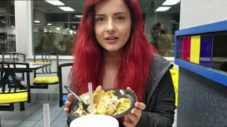 [Blizzcon 2017] AnnieFuchsia Tries Taco Bell for the First Time