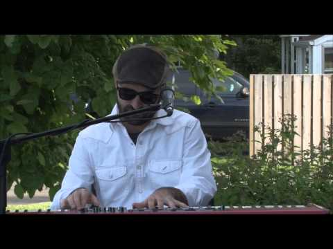 "Craig Greenberg ""I Hope You Understand"" at the Steel Bridge Fest 2013 at Glas Coffee"
