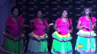 DOCTOR SITHOLE PEFORMS  MC MABASA's Joni ayina nwini