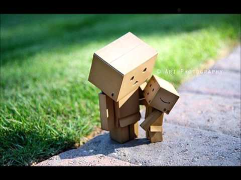 Cute Amazon Box Robot Wallpaper Amazon Box Thing Wmv Youtube
