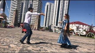 Девушка С Самыми Длинными Волосами В Мире Танцует В Грозном 2018 ALISHKA AZARINA ELVIN (Чечня)