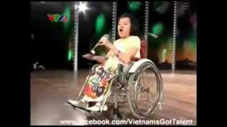Girl in wheelchair sings Let's Dance (Vietnam's got talent)