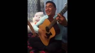 Алеш! Классно играет на гитаре! Turkmen talant! Gitara