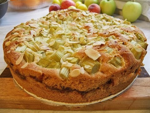 Весенний пирог с ревенем