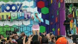 "Video Jenita Janet live ""100% ampuh"" global tv 10 Januari 2013.mpeg download MP3, 3GP, MP4, WEBM, AVI, FLV Agustus 2017"