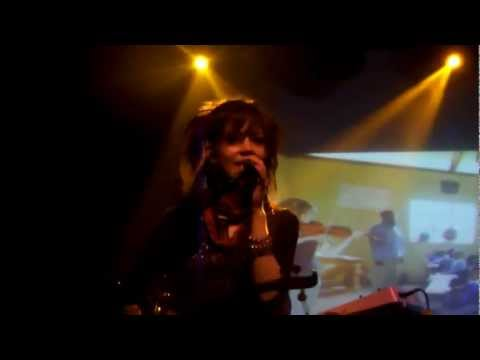 Lindsey Stirling - We Found Love (Live in London)