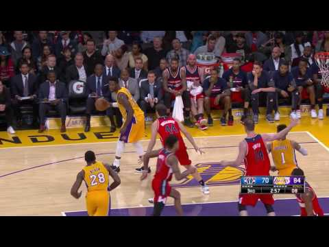 Lakers Close Out 15 Straight Makes In The 3rd Quarter