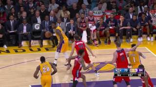 Repeat youtube video Lakers Close Out 15 Straight Makes In The 3rd Quarter