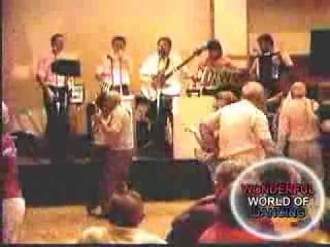"EDDIE BLAZONCZYK'S  VERSATONES AT POLISH FESTIVAL ORLANDO ""APPLES PEACHES PUMPKIN PIE MEDLEY"""