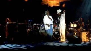 Obaluaê (Ashansu) - Carlinhos Brown e Sr. Matheus (Tincoãs)