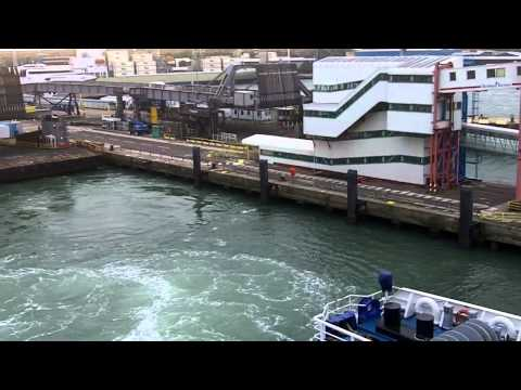 Brittany Ferries - MV Mont St Michel - leaving the link span