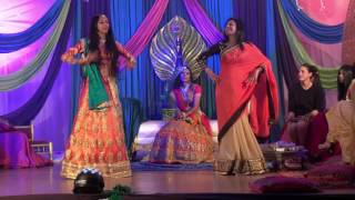 Mother daughter Mehndi Dance