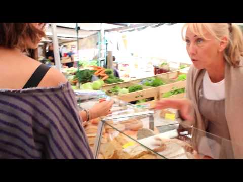 "French women don't get fat. Parisians love affair with ""bio"", scenes from Marché Raspail."