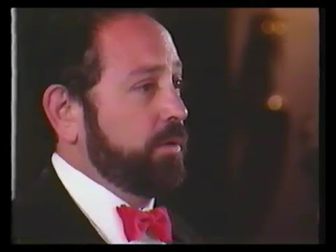 A collection of cantorial gems from cantor Alberto Mizrahi.