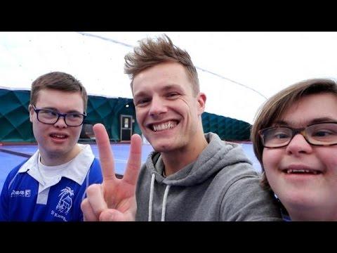Jonah vlogt met YouTuber Enzo Knol - HOTEL SYNDROOM