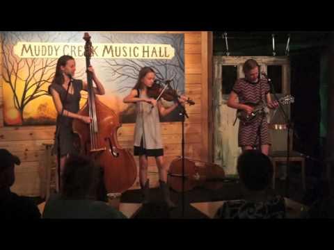 Dan River Girls playing Bluegrass Breakdown