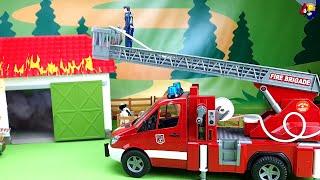 Bruder. Feu de ferme. Camion, tracteur, camion de pompier, ambulance. Les voitures