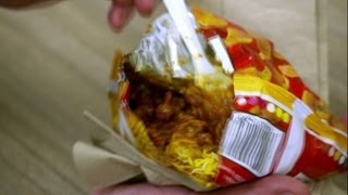 New Mexico: Anthony Bourdain tries a Frito Pie (Parts Unknown)