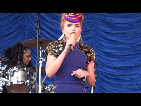 Paloma Faith - Love Only Leaves You Lonely NEW SONG Live At V Festival Weston Park August 2013 mp3