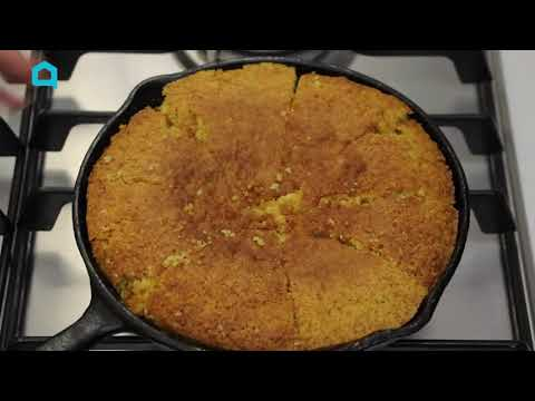 How to Clean And Season a Cast Iron Skillet (In Less Than a Minute)