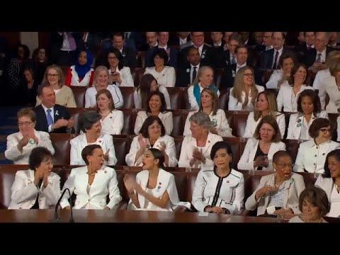 شاهد: كيف حاول ترامب كسب ودّ النساء من الحزب الديمقراطي …  - 16:54-2019 / 2 / 6