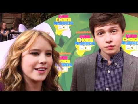 Kissing Tips from TAYLOR SPREITLER and NICK ROBINSON (Melissa and Joey)!