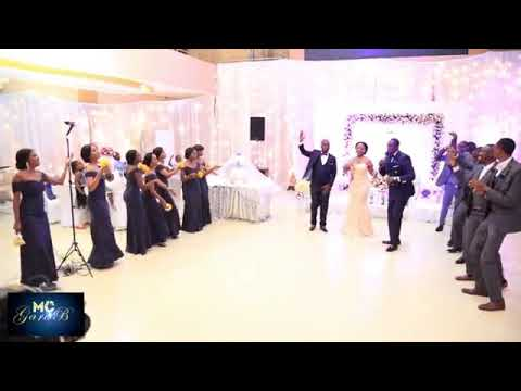 VERY HOT GROOM AND BRIDE ENTRANCE EVER. YOU'LL LOVE THE DANCING BATTLE |MUST WATCH!